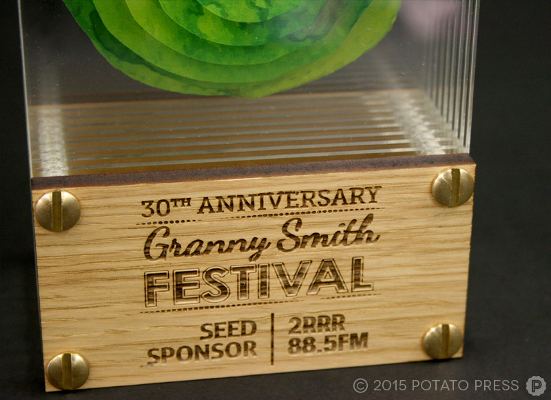 Grannysmith-apples-close-trophy-acrylic-glass-3d-custom-bespoke-laser-etch-australia-international